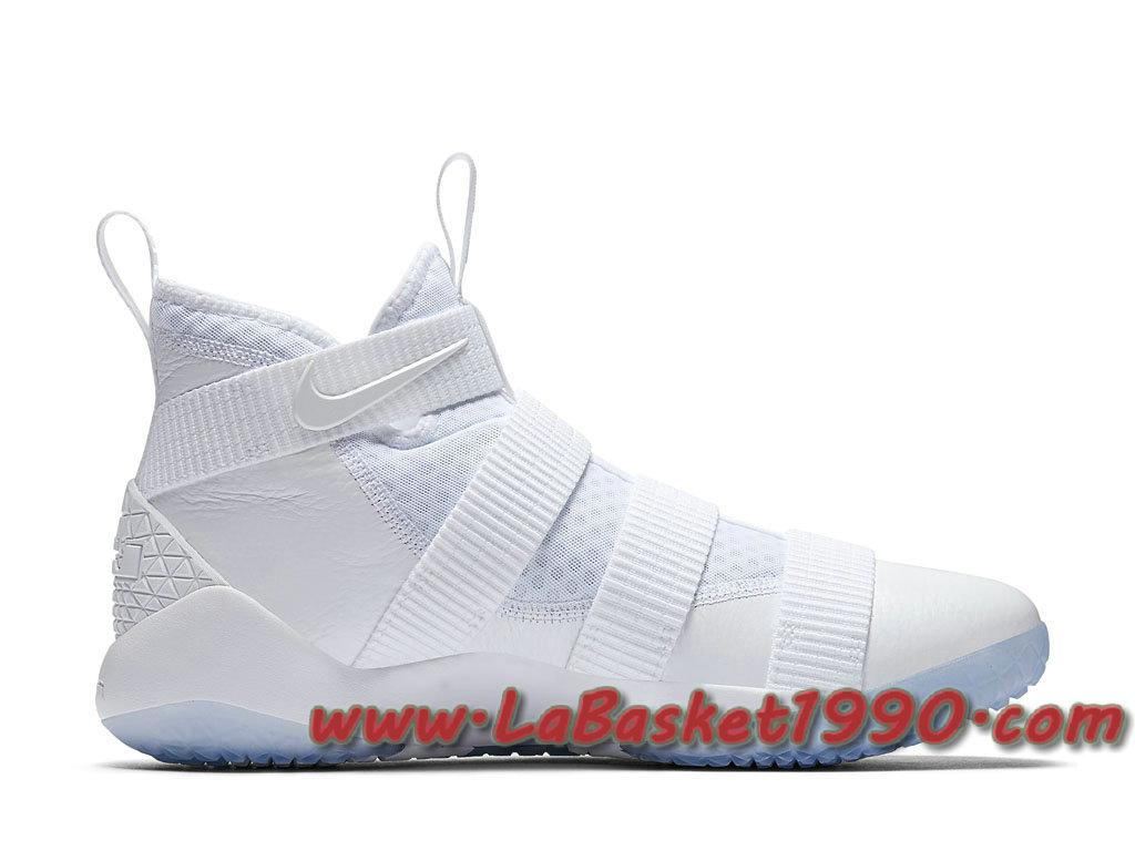 d68a4d885973e ... Nike LeBron Soldier 11 Triple White 897644-103 Chaussures Nike Basket  Pas Cher Pour Homme ...